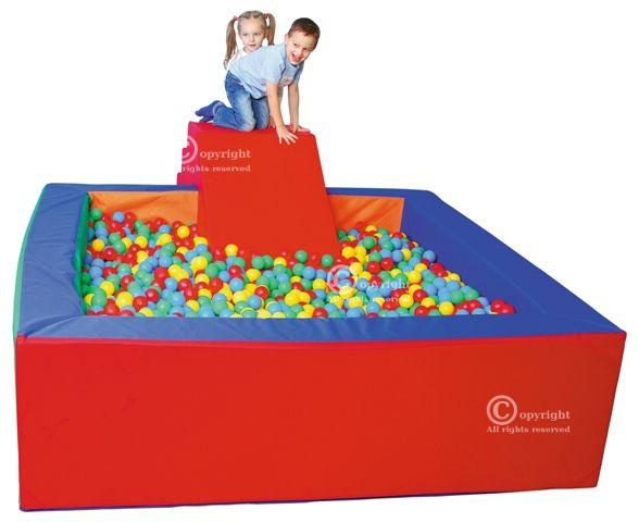 IŠPARDUOTA 2021 Kamuoliukų baseinas, 2 x 2 m.