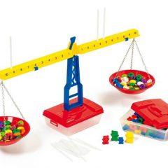 Balansinės svarstyklės su priedais