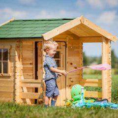 IŠPARDUOTA-Medinis žaidimų namelis su terasa