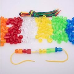 Plastikinės skaidrios figūrėlės vėrimui