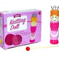 Lėlytė, padedanti išmokti megzti