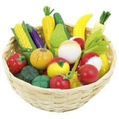 Vaisiai ir daržovės krepšelyje